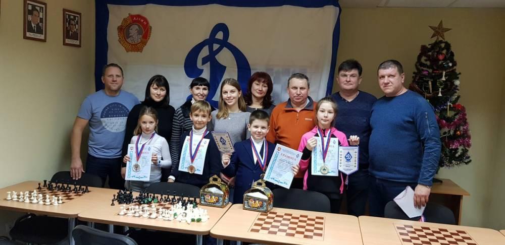 Дети сотрудников органов безопасности вернулись с победой с турнира по шахматам
