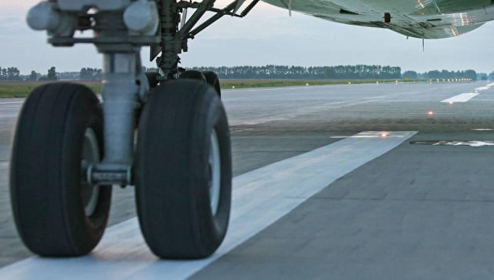 Летевший в Москву самолет вынуждено вернулся в Симферополь
