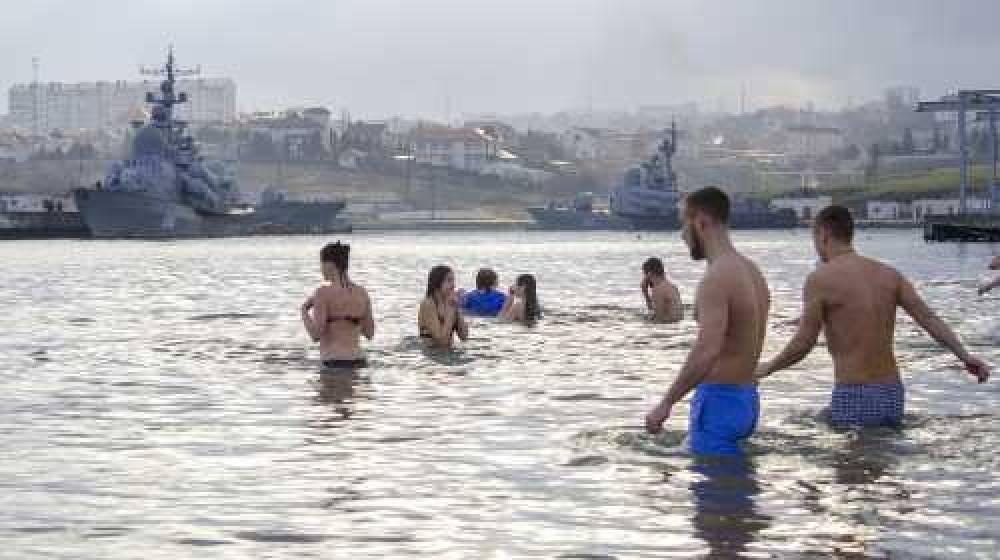 У вод Херсонеса севастопольский благочинный пожелал всем любви и покаяния