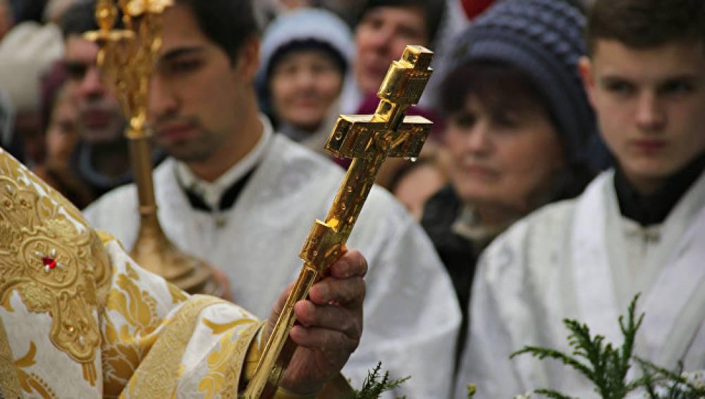Как верующие в Симферополе отпраздновали Крещение