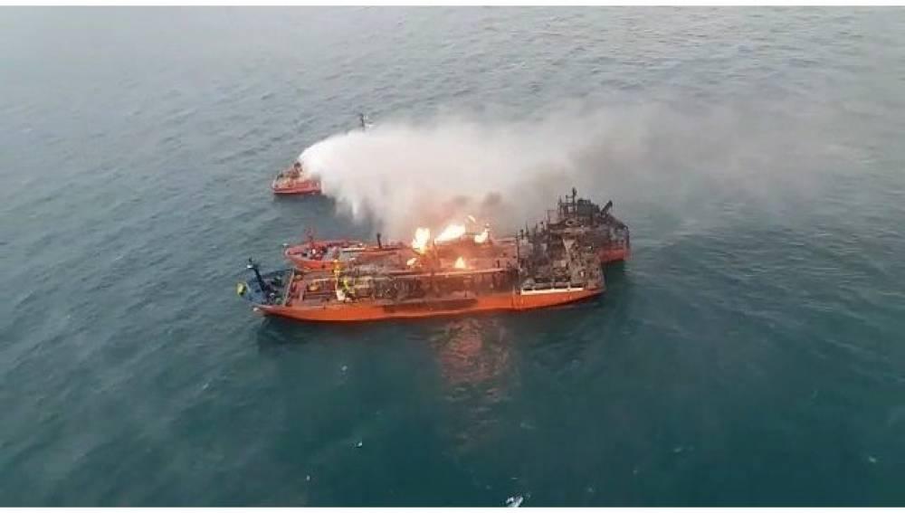 Чем грозит Крыму возгорание судов в Керченском проливе