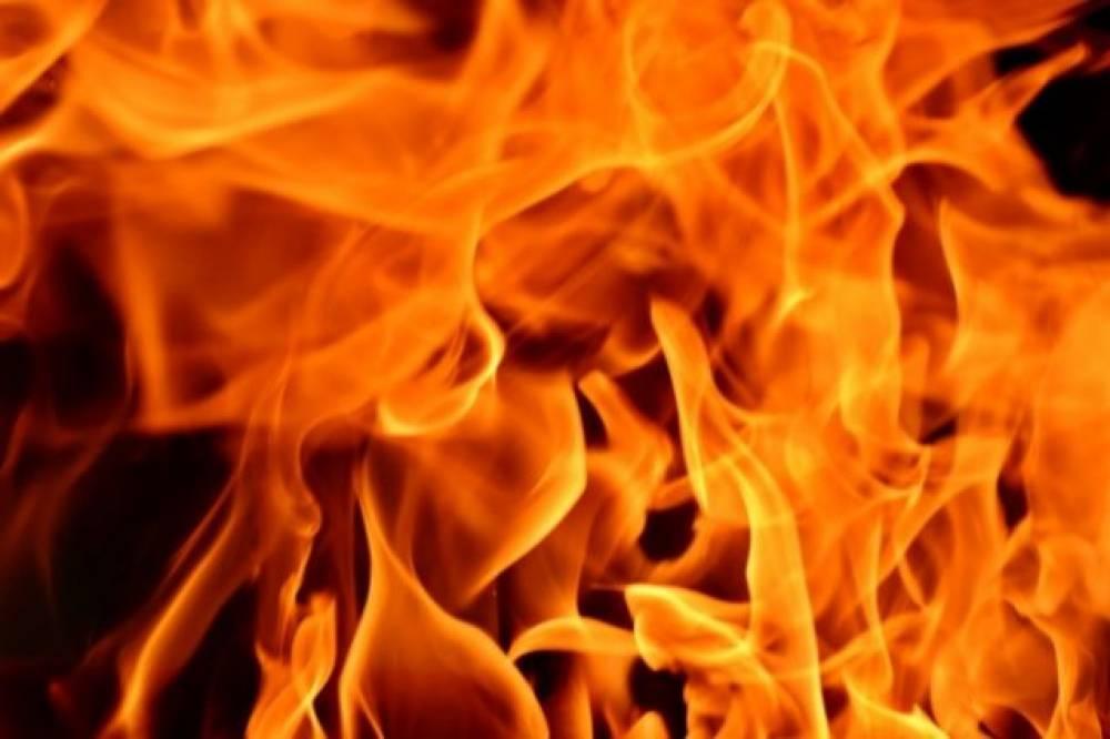 Мопед и клуб кайтсерфинга: пожары на востоке Крыма