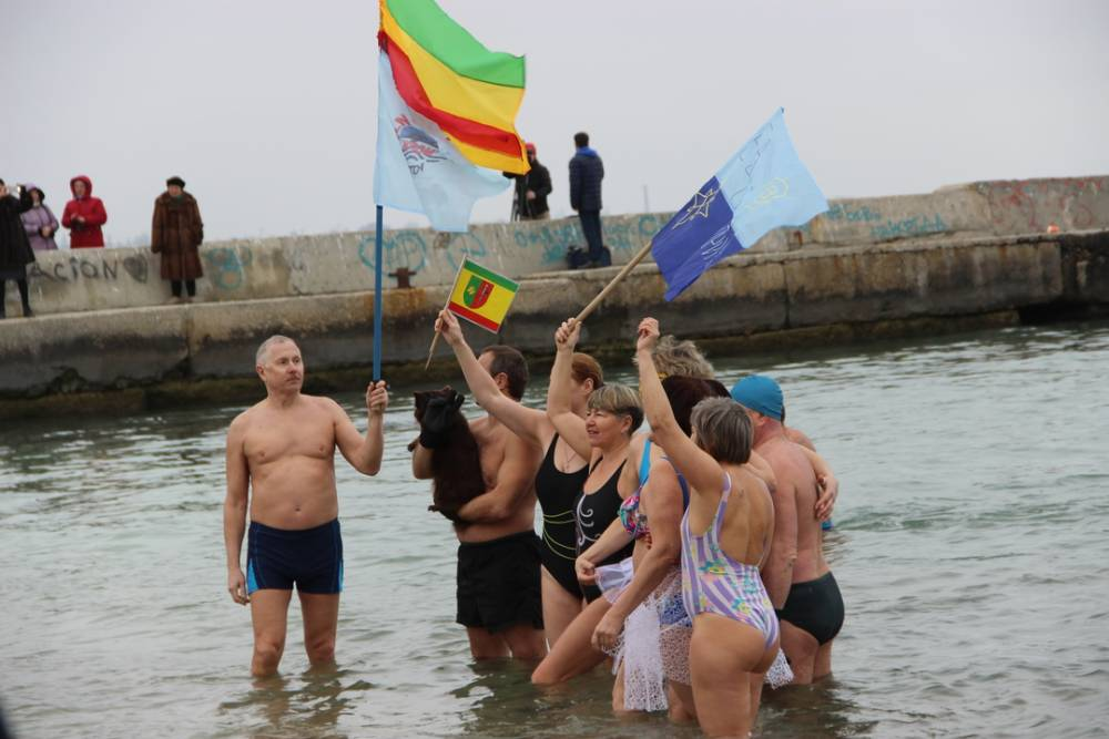 «Моржи»  в Феодосийском заливе