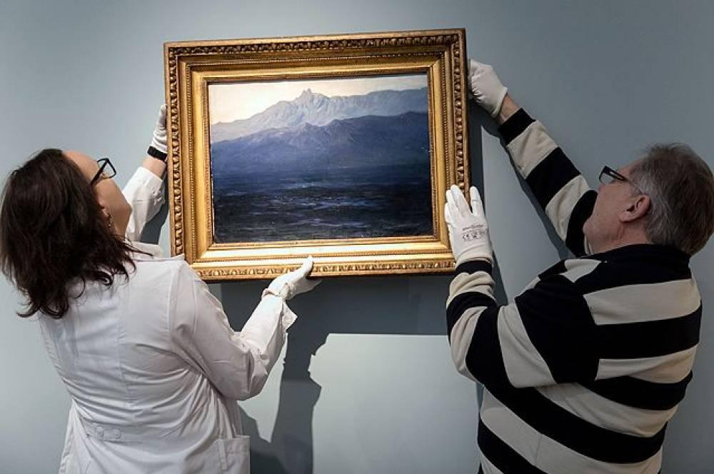 Две трети граждан России считают недостаточной защиту экспонатов вмузеях— Опрос