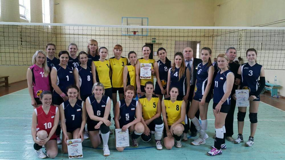 В Феодосии состоялся волейбольный турнир женских команд (ФОТО)
