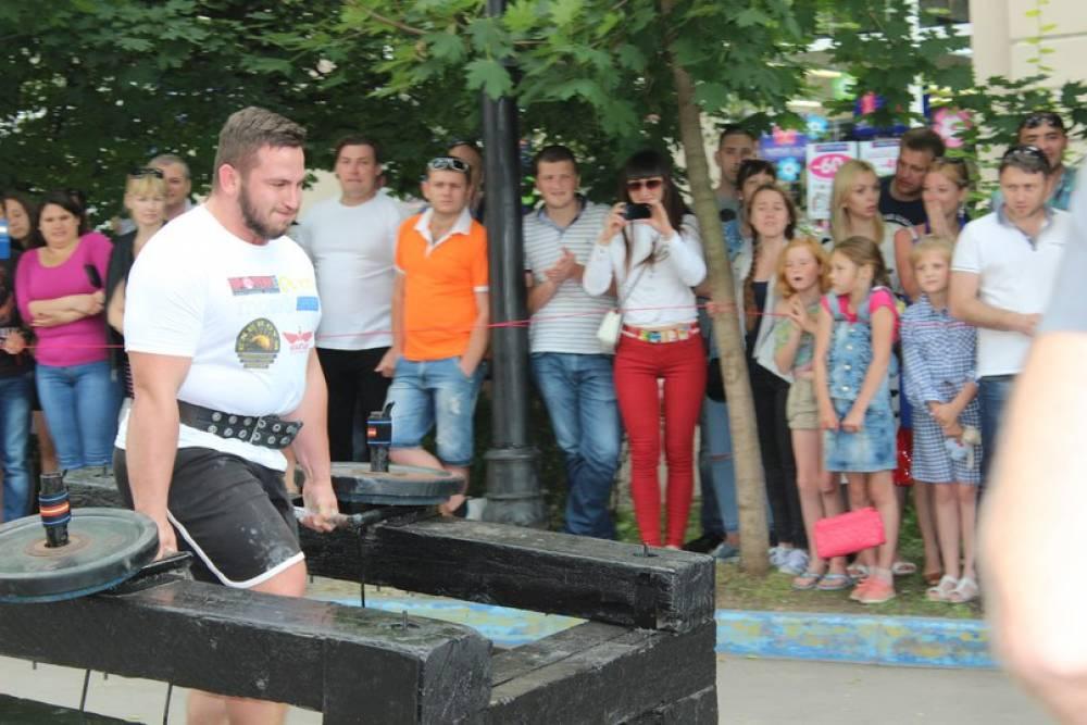 Феодосийцы выступили в соревнованиях по силовому экстриму (ФОТО)