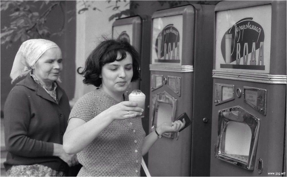 Граненые стаканы автоматов с газировкой