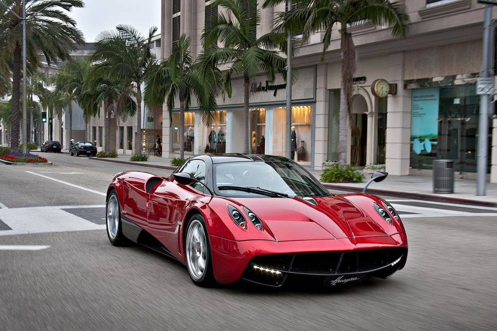 Минпромторг расширил список роскошных авто