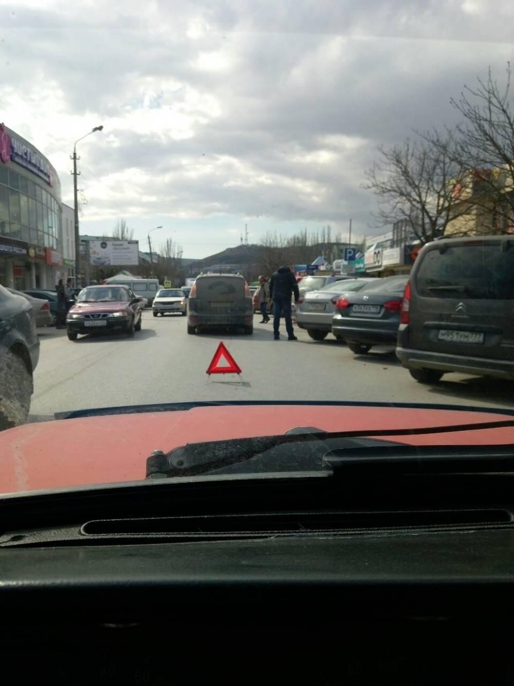 ДТП на Крымской: автоледи против мотоциклиста