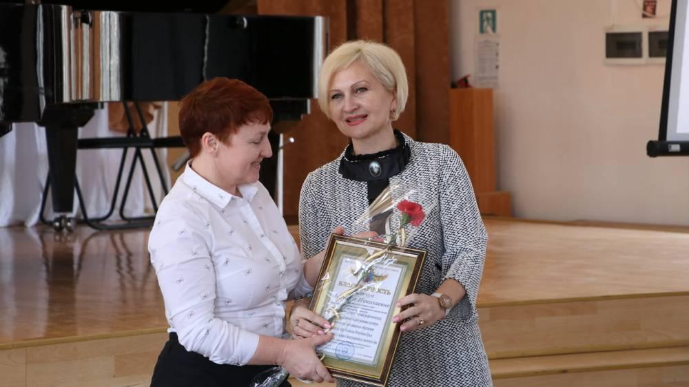 Руководители города поздравили феодосиек с 8 Марта