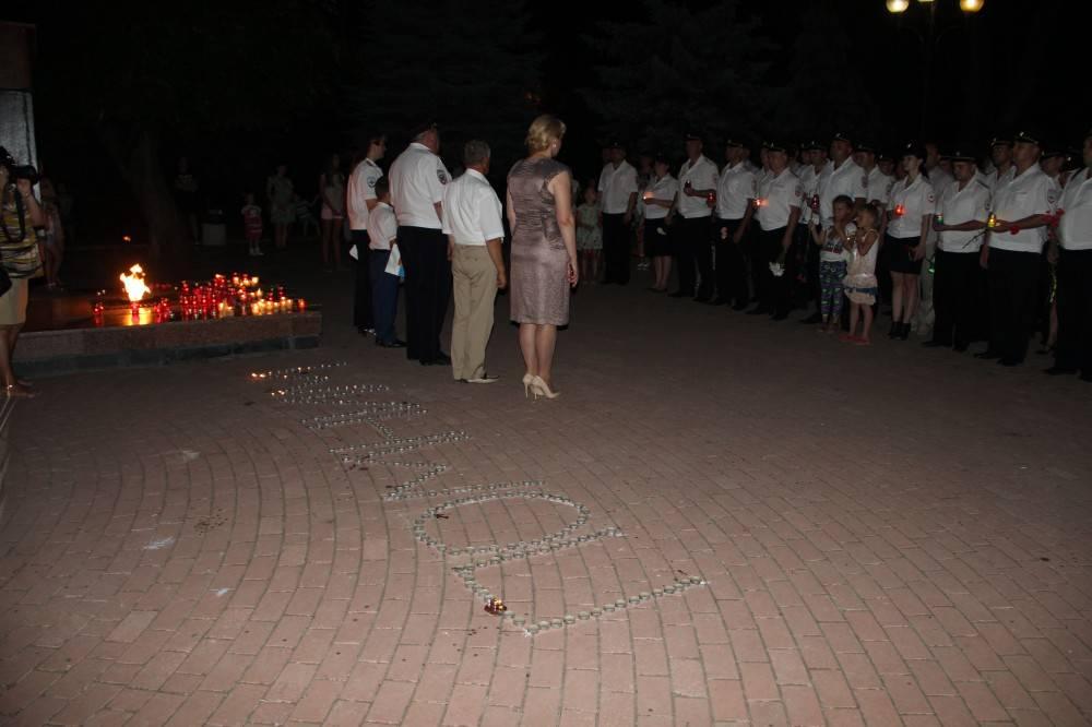Личный состав феодосийской полиции зажег свечи в память о погибших в Великой Отечественной войне