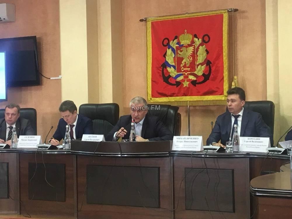 Аксенов пообещал еще раз приехать в Керчь в апреле