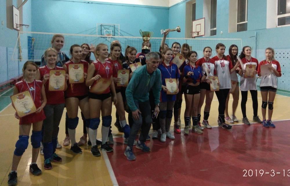 В Феодосии прошел турнир по волейболу