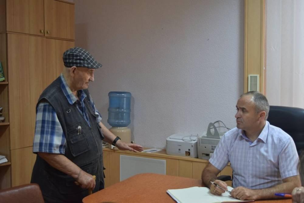 Глава Администрации города Феодосии Станислав Крысин провел первый прием граждан по личным вопросам