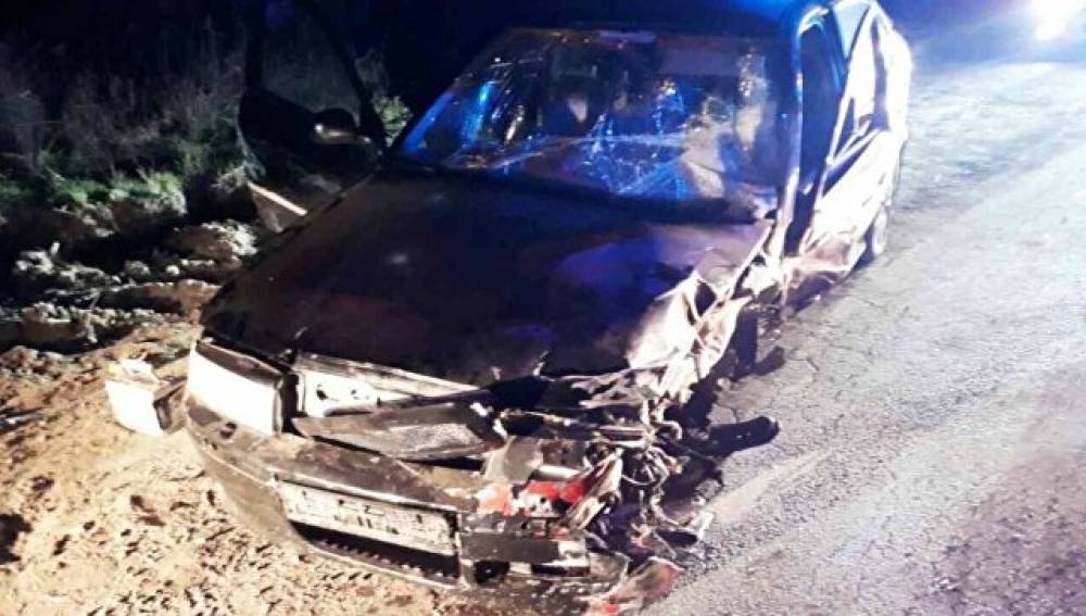 Две машины «всмятку»: в Крыму спасатели ликвидировали последствия ДТП