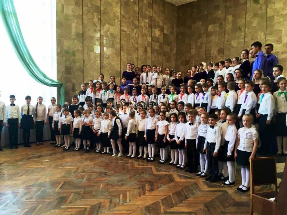 Музыкальная школа № 1 Керчи дала отчётный концерт
