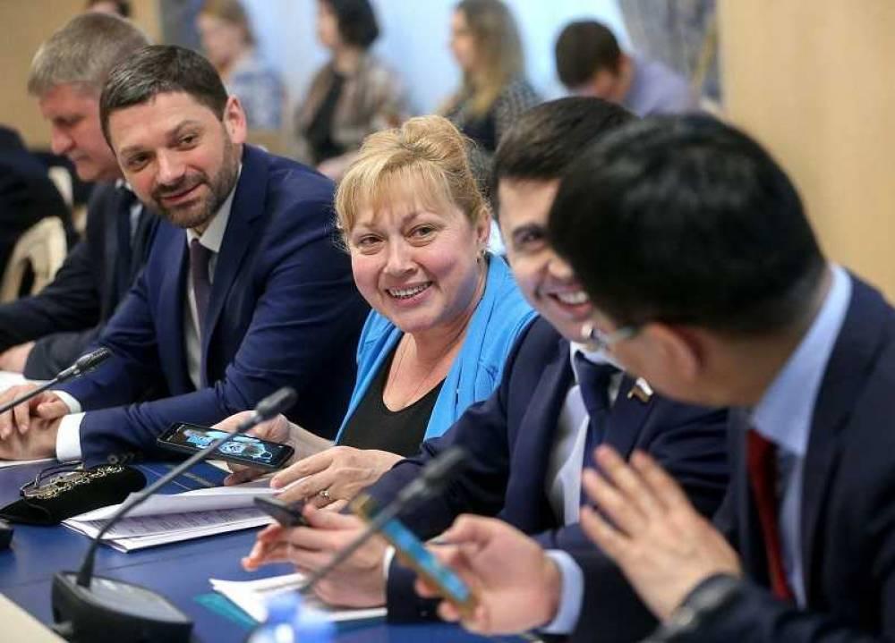 Крымские депутаты Госдумы рассказали о своих доходах