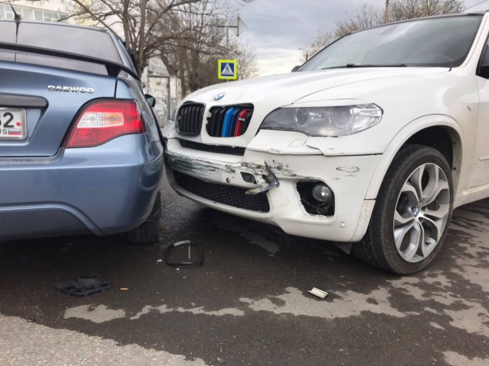 BMW помял Daewoo Nexia