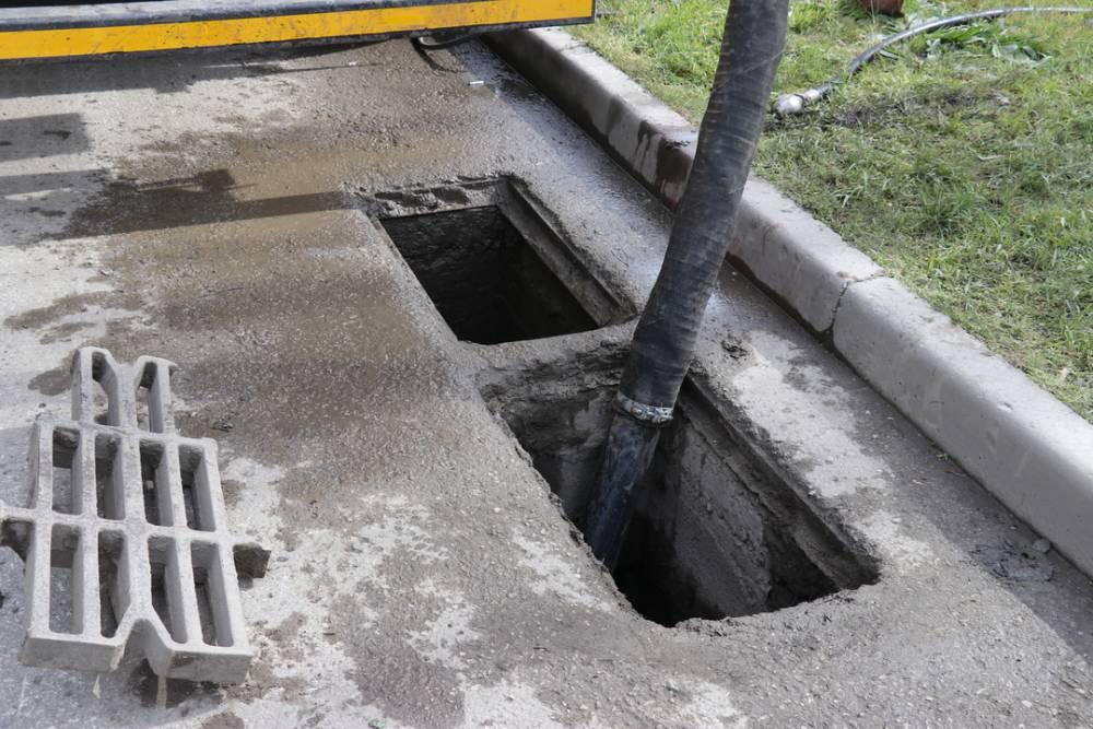 В Феодосии начались работы по очистке ливневой канализации
