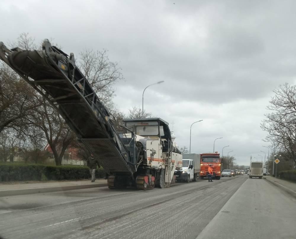К началу мая в Феодосии отремонтируют дороги