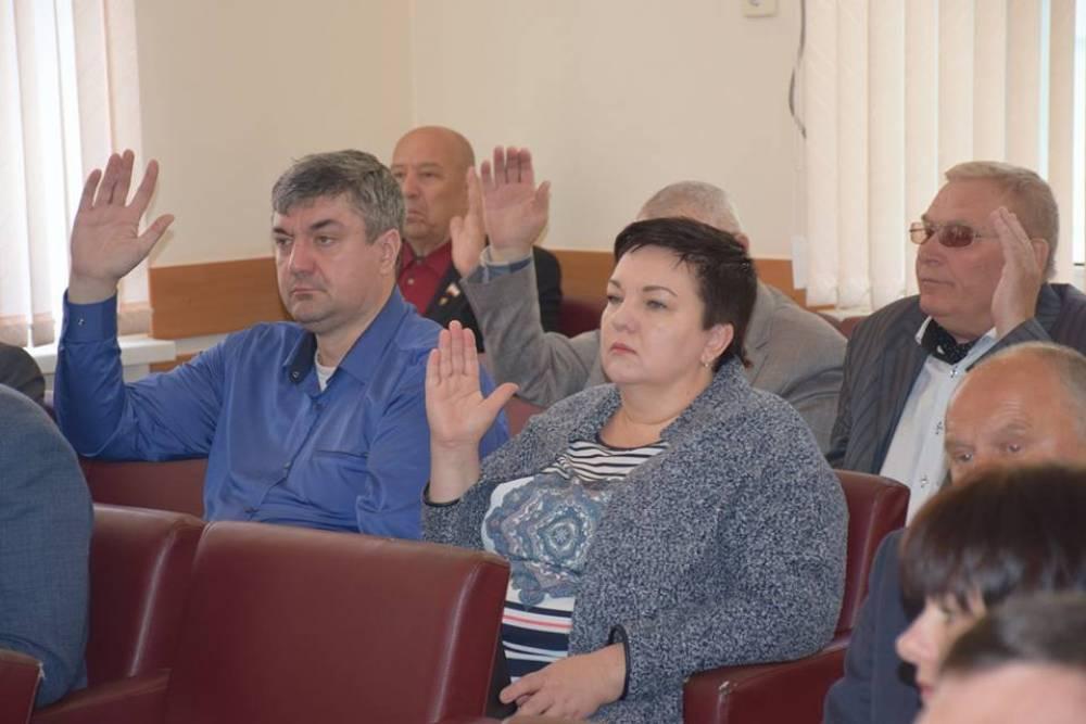 В Страстную пятницу депутаты собрались на сессию