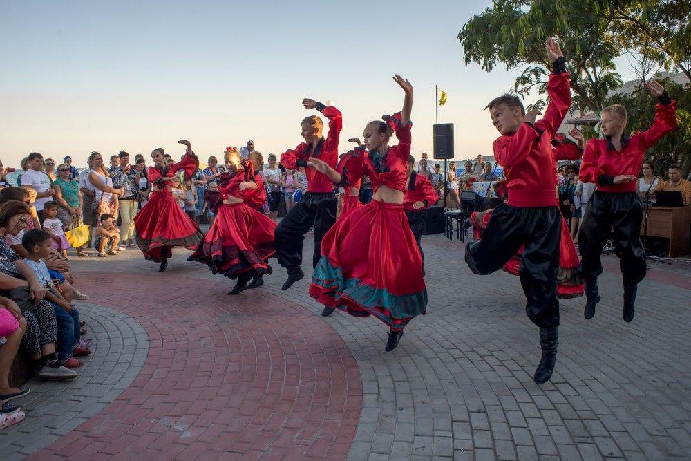 Гуляния дня: День поселка Коктебель