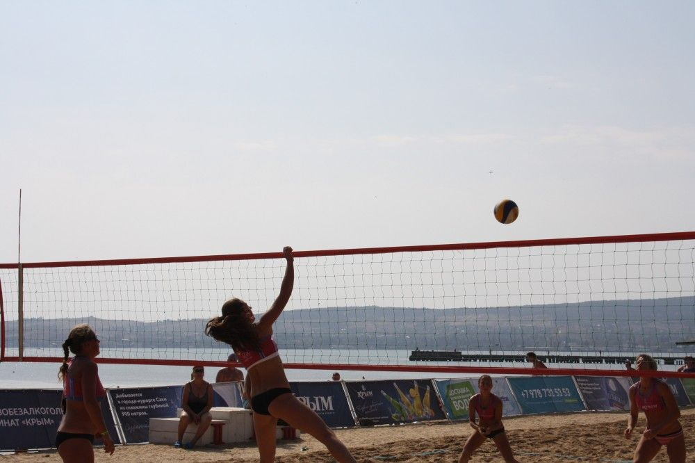 Закрытие недели: Турнир по пляжному волейболу в Феодосии