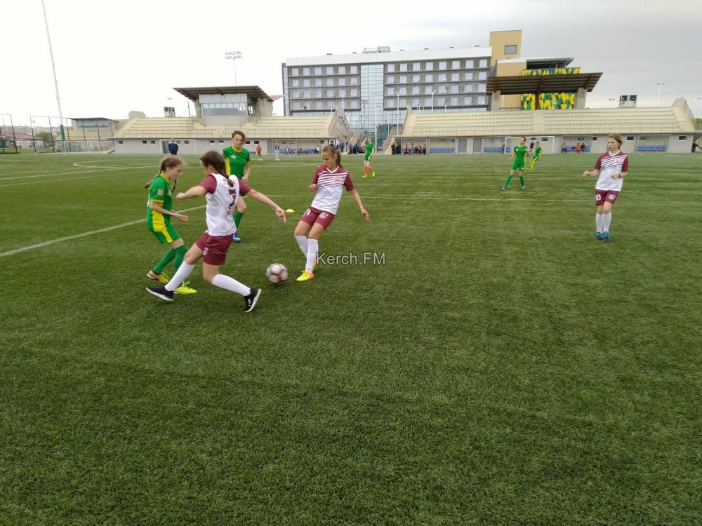 Керченские футболистки стали призерами в этапе соревнований по футболу «Кожаный мяч»
