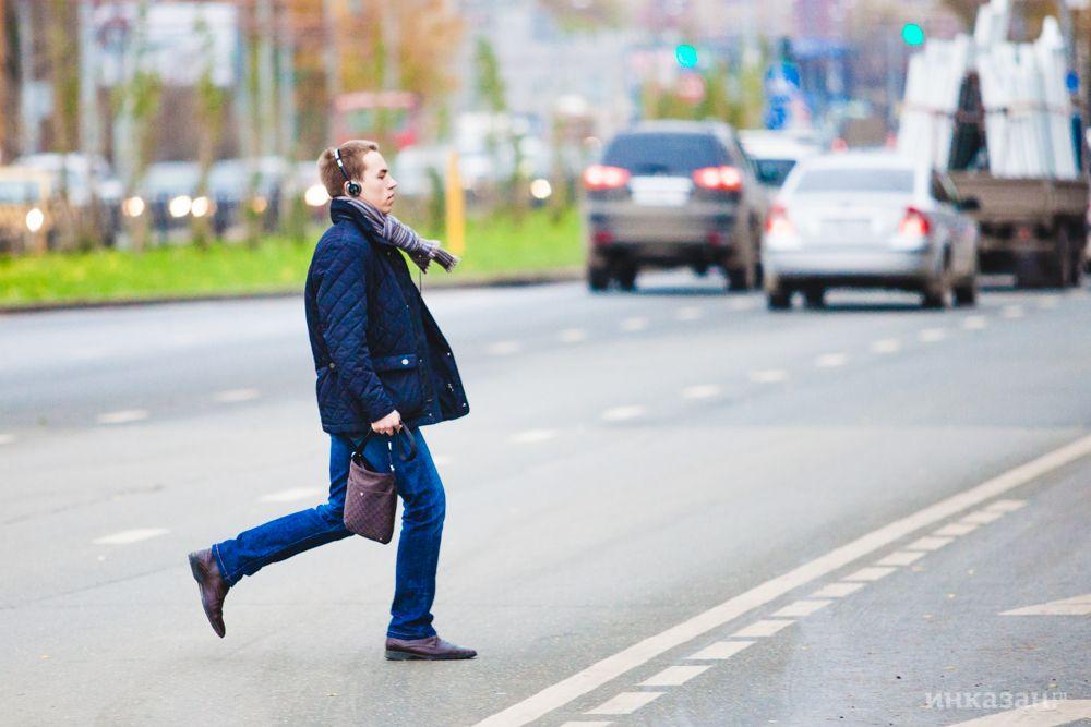 Под Феодосией на трассе пострадал нетрезвый пешеход