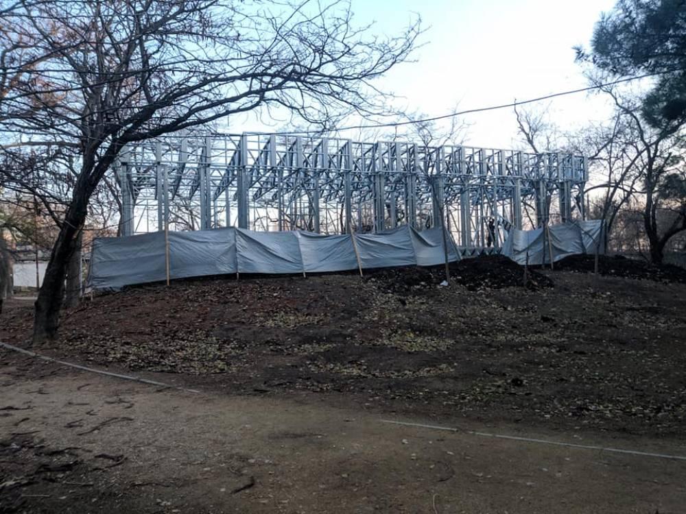 Что за объект возводят в Комсомольском парке?