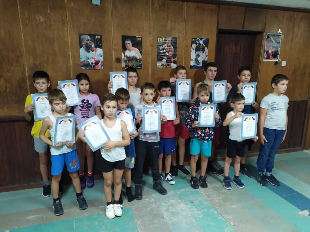 Соревнования по боксу в пгт Приморский, турнир по боксу в Спортивной школе №2