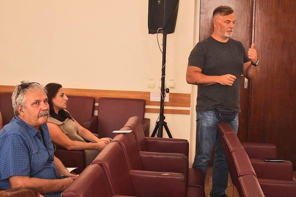 Глава администрации Феодосии рассказал о долгах застройщика Лукичева