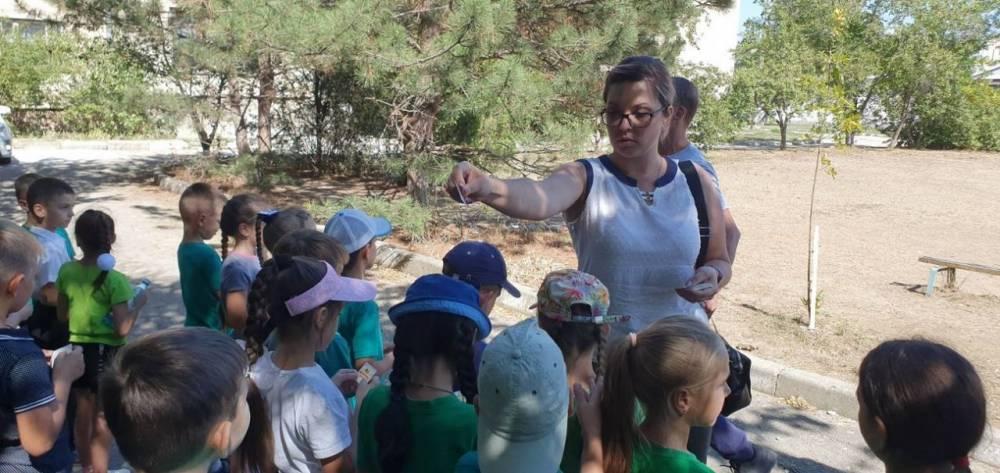 Сотрудники МВД вместе с отрядом ЮИД провели в феодосийской школе акцию «Учись быть пешеходом»