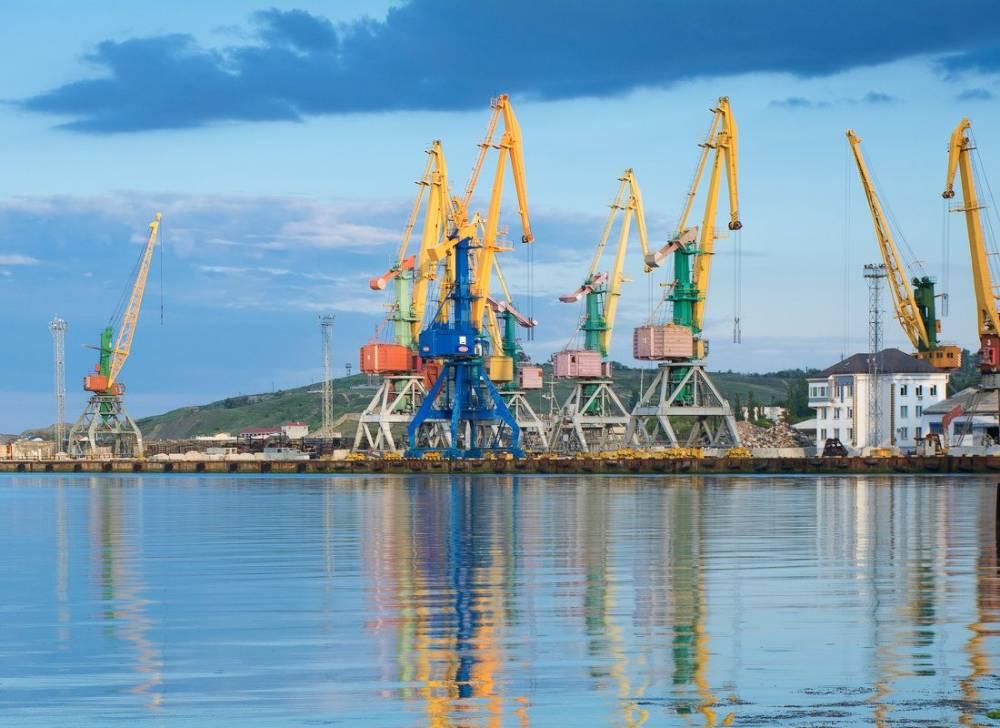 Современный морской торговый порт Феодосии, порт