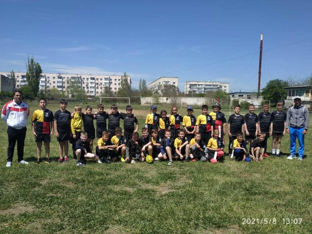 08.05.2021 на стадионе «Альбатрос» прошли игры по тэг—регби среди юношей, посвященные Дню Победы.