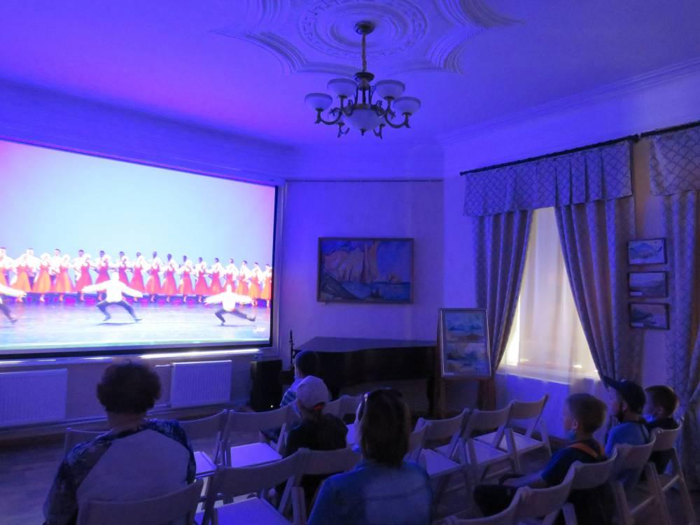 Трансляция из Концертного зала имени П. И. Чайковского.