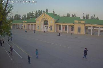 Веб-камеры Феодосии, Привокзальная площадь