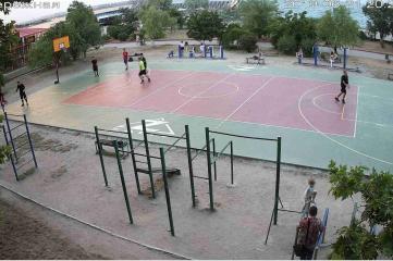 Веб-камеры Керчи, Набережная - спортивная площадка