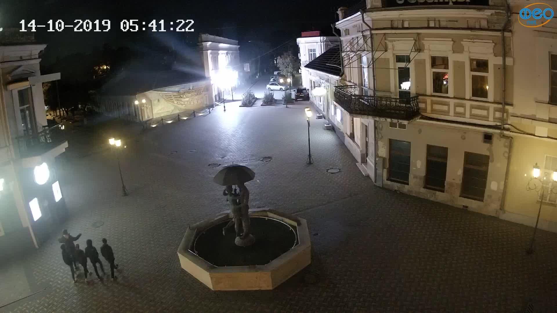 Веб-камеры Феодосии, Панно Бригантина (Камера со звуком.), 2019-10-14 05:43:10