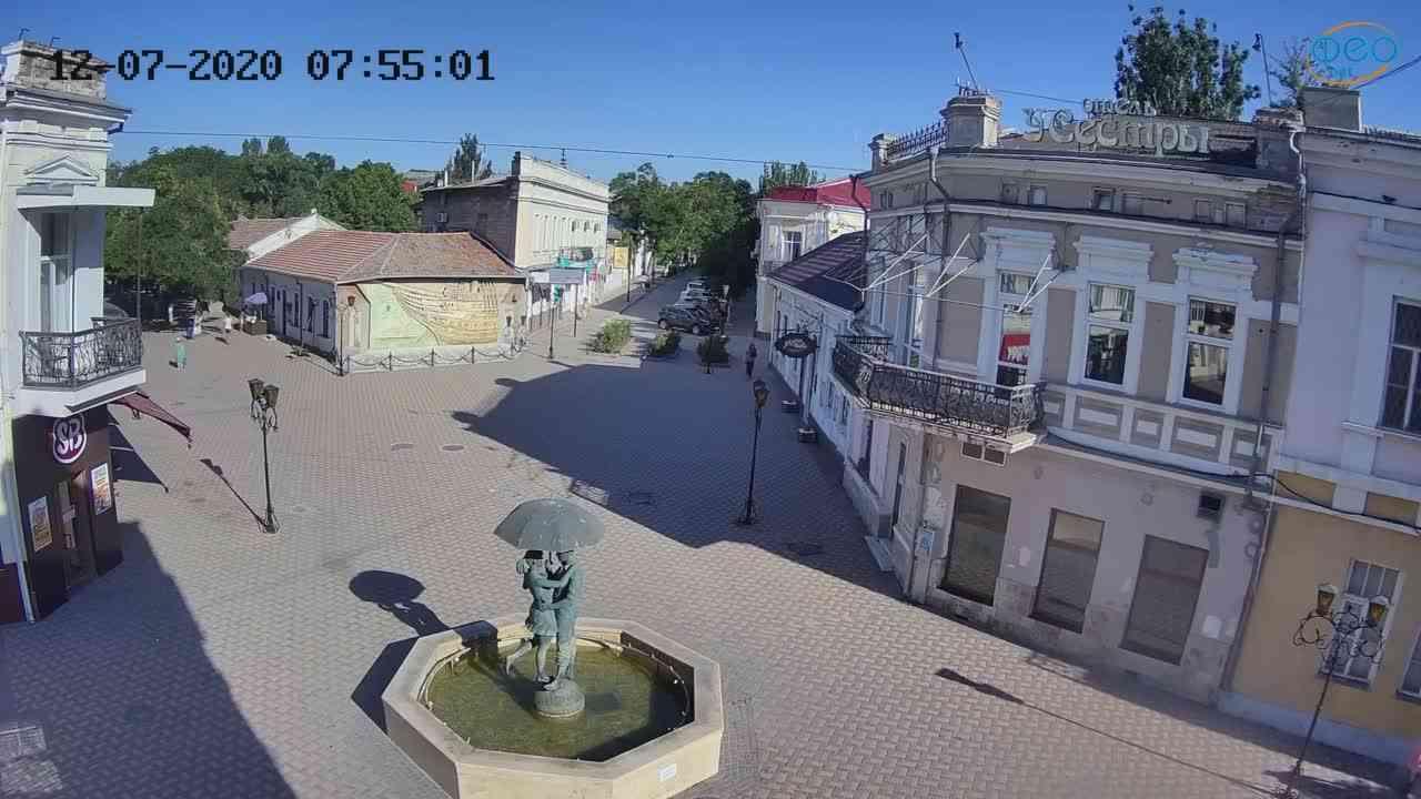 Веб-камеры Феодосии, Панно Бригантина (Камера со звуком.), 2020-07-12 07:55:11