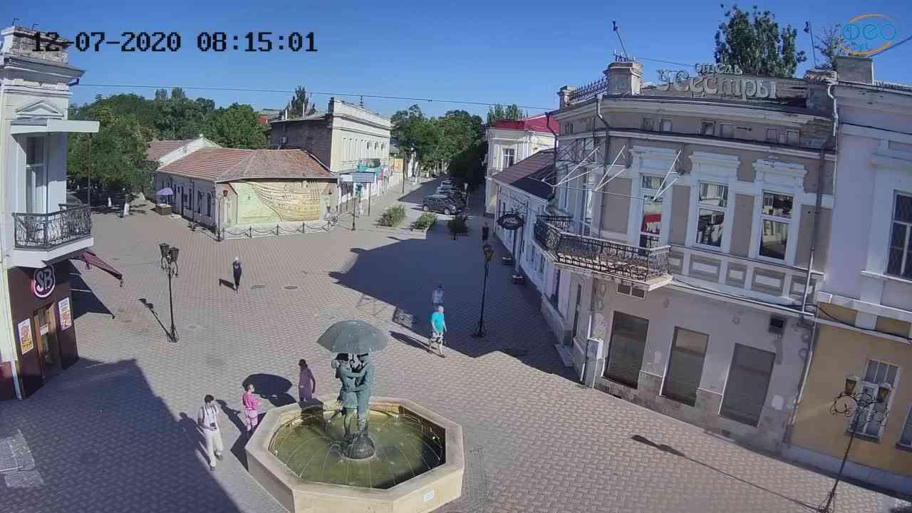 Веб-камеры Феодосии, Панно Бригантина (Камера со звуком.), 2020-07-12 08:15:11