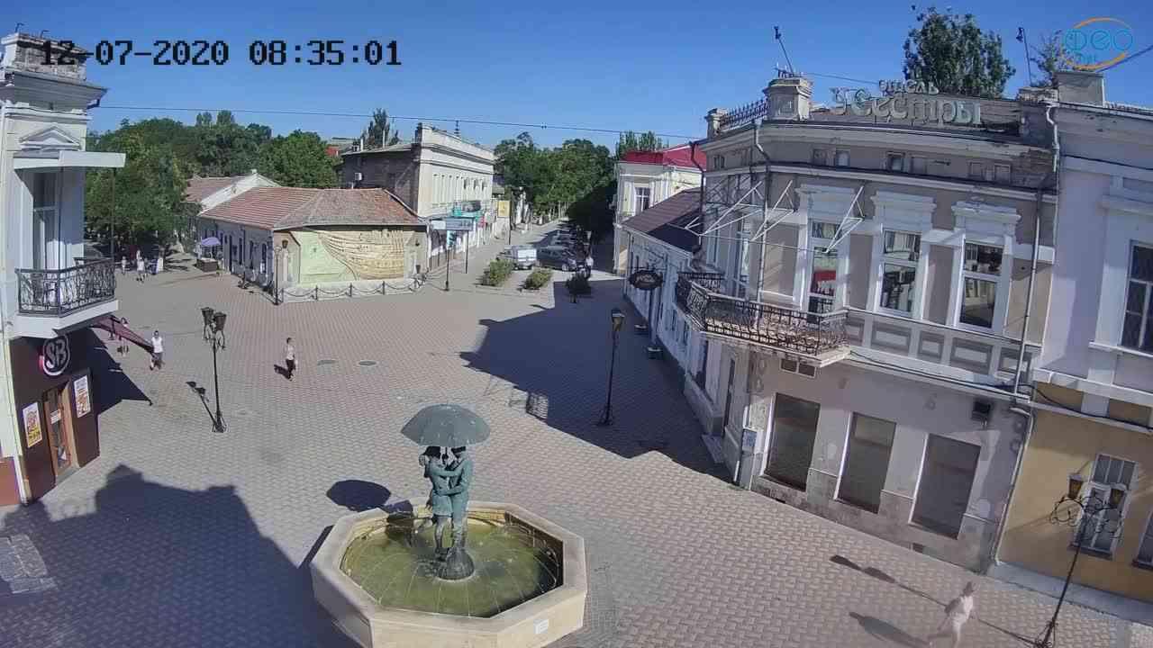 Веб-камеры Феодосии, Панно Бригантина (Камера со звуком.), 2020-07-12 08:35:12