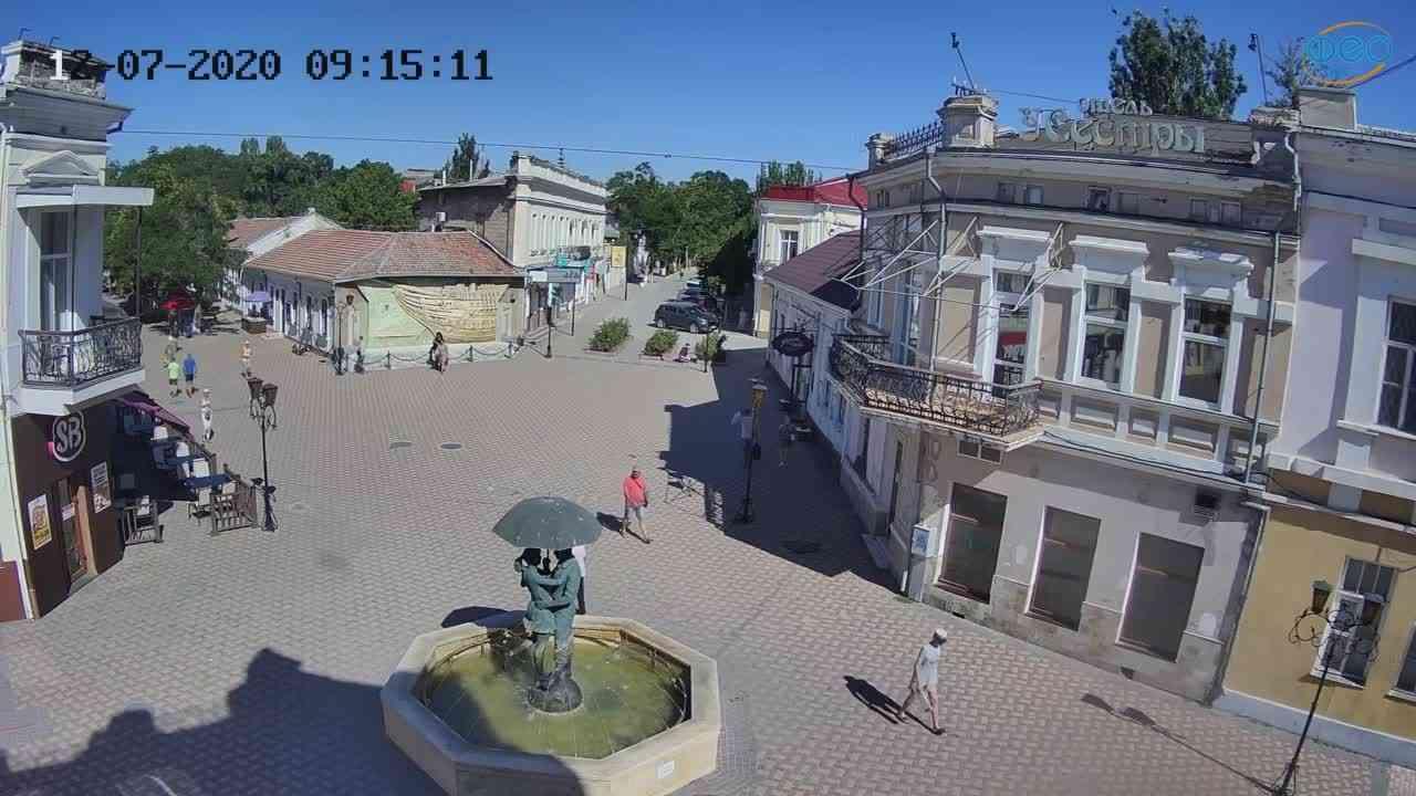 Веб-камеры Феодосии, Панно Бригантина (Камера со звуком.), 2020-07-12 09:15:22