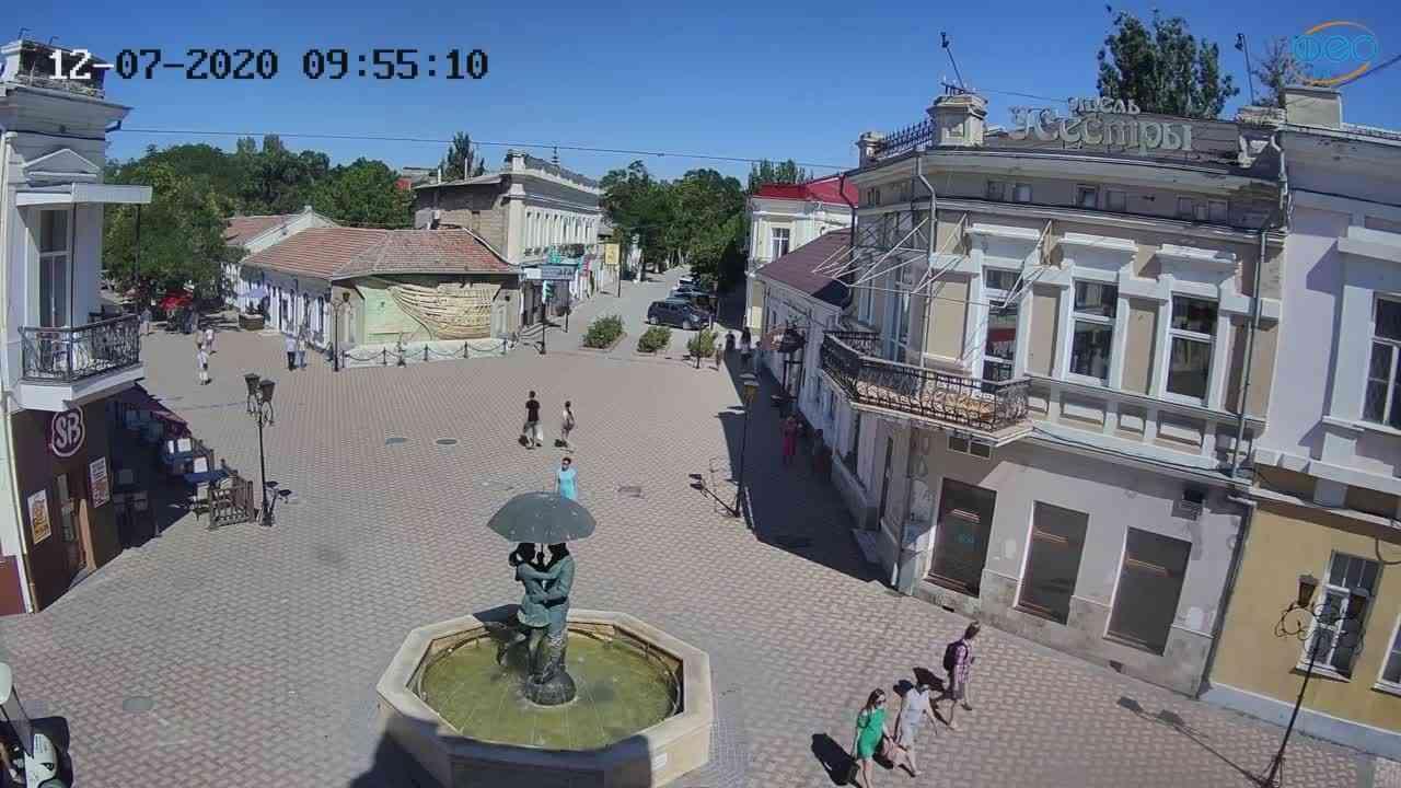 Веб-камеры Феодосии, Панно Бригантина (Камера со звуком.), 2020-07-12 09:55:20