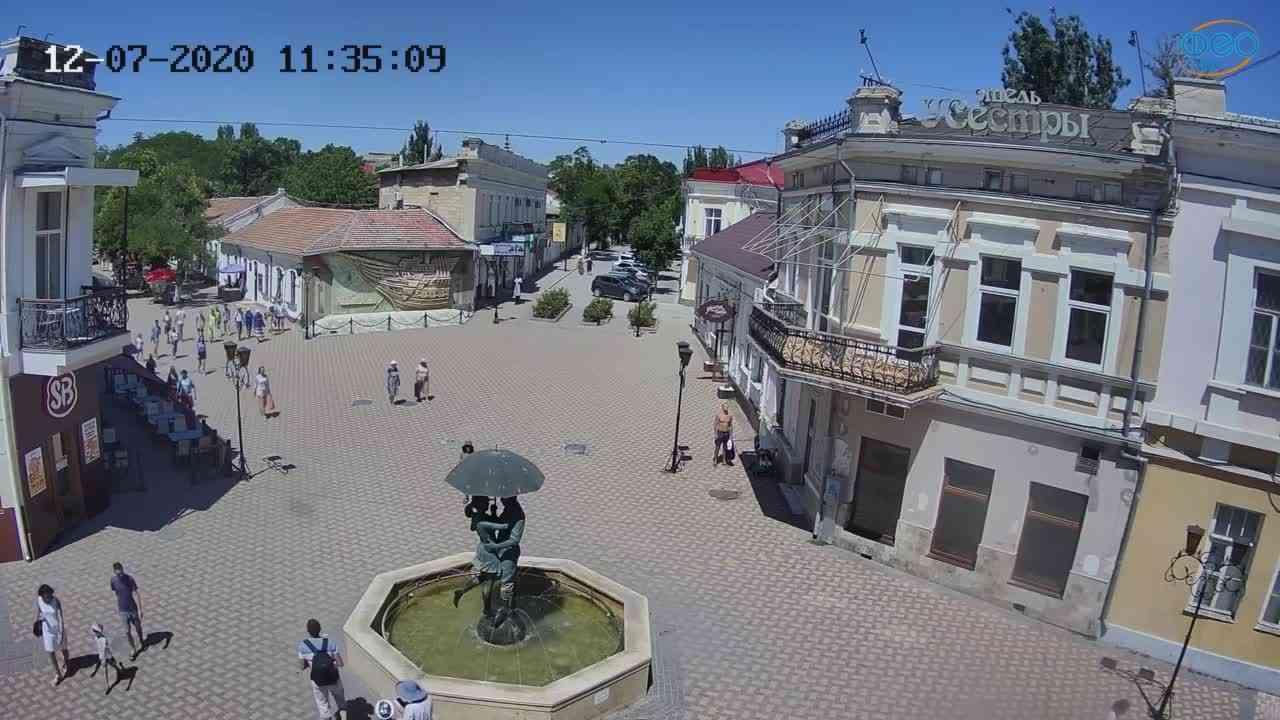 Веб-камеры Феодосии, Панно Бригантина (Камера со звуком.), 2020-07-12 11:35:21