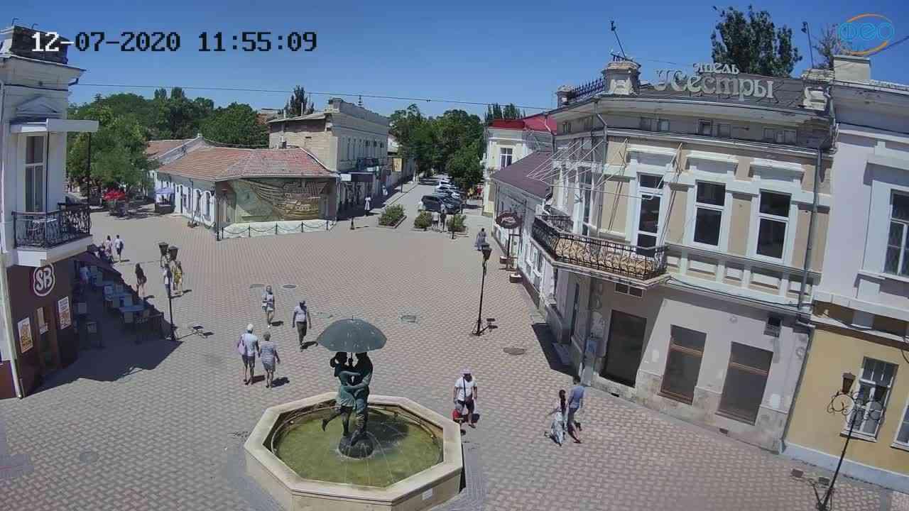 Веб-камеры Феодосии, Панно Бригантина (Камера со звуком.), 2020-07-12 11:55:21