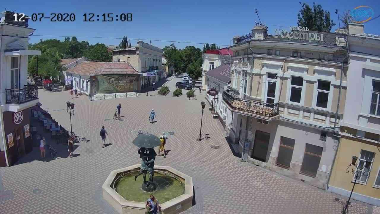 Веб-камеры Феодосии, Панно Бригантина (Камера со звуком.), 2020-07-12 12:15:20