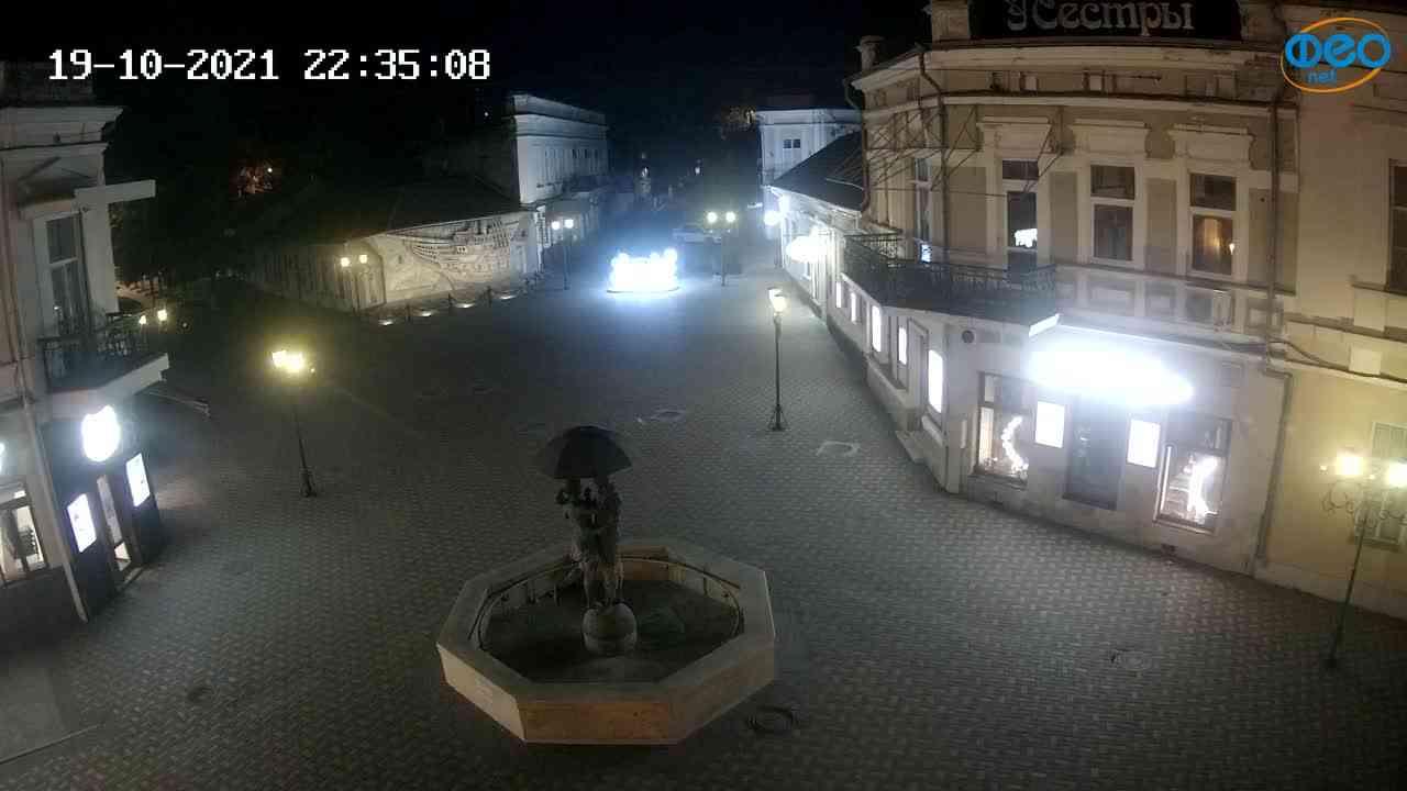 Веб-камеры Феодосии, Панно Бригантина (Камера со звуком.), 2021-10-19 22:35:20