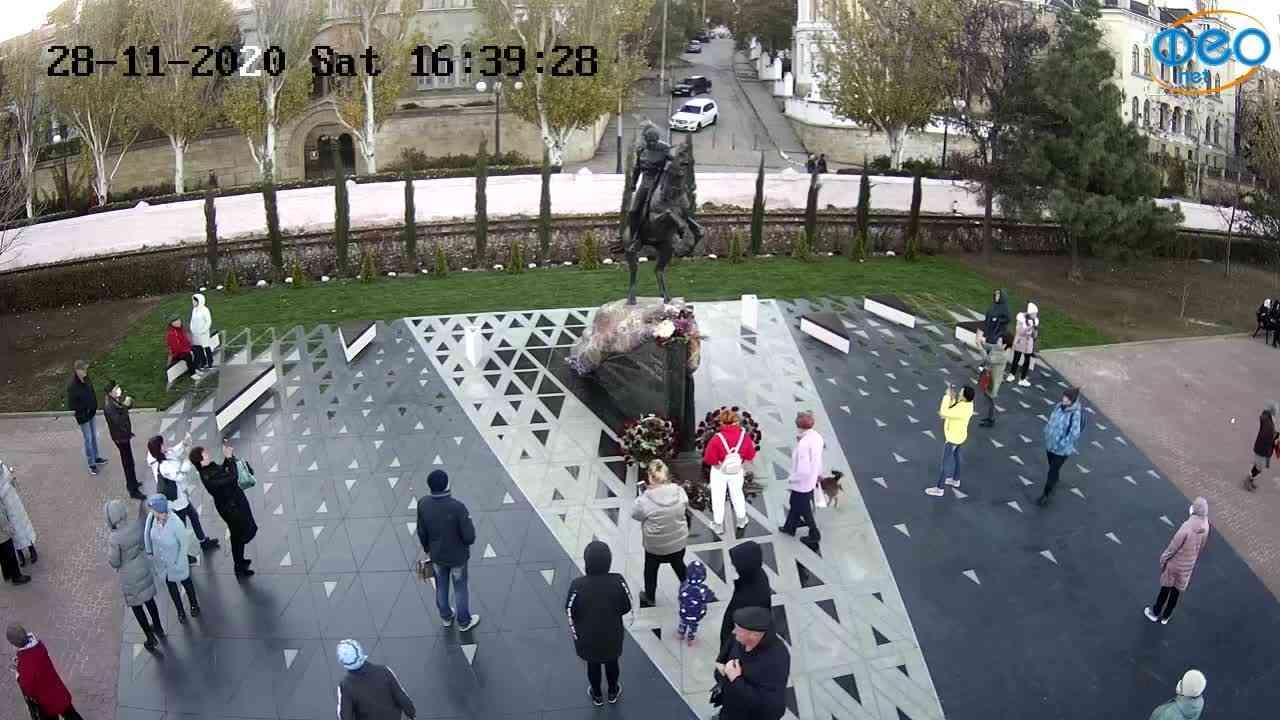 Веб-камеры Феодосии, Памятник генералу Котляревскому, 2020-11-28 16:39:43