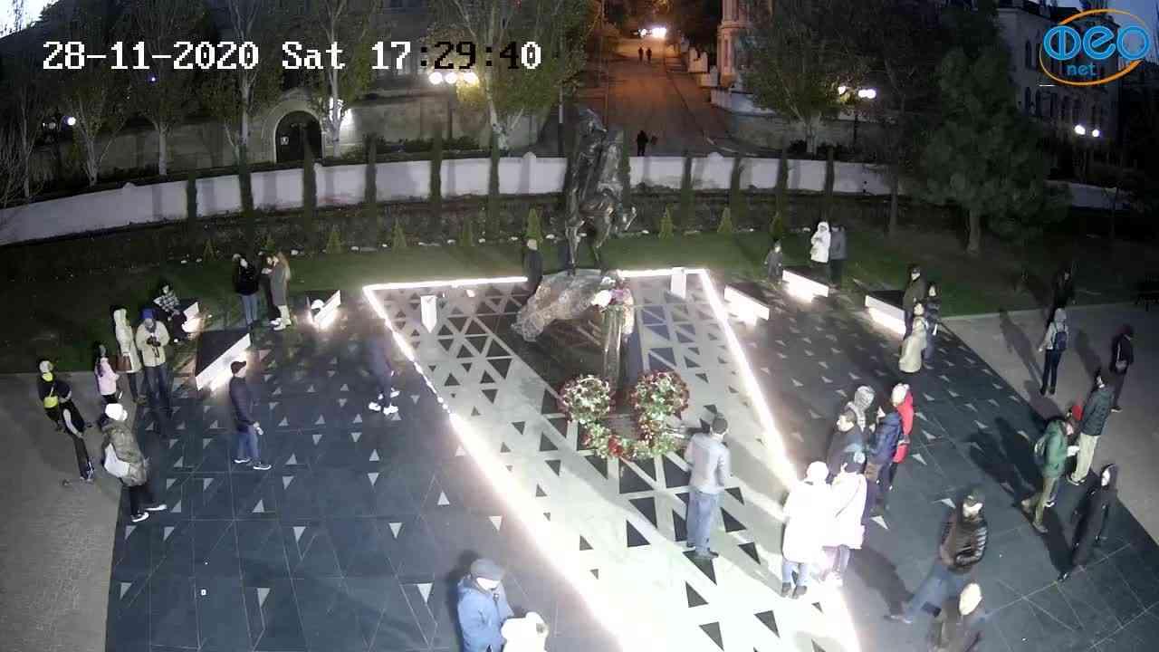 Веб-камеры Феодосии, Памятник генералу Котляревскому, 2020-11-28 17:29:56